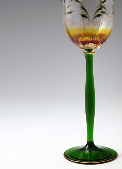 「花文様ワイングラス」