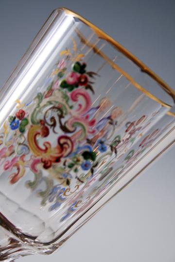 装飾ガラス「人物・花唐草文様 ワイングラス」