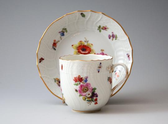 陶磁器「花虫文様 コーヒーカップ」