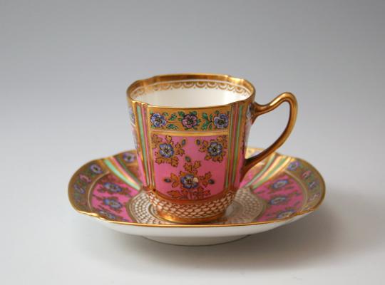 陶磁器「花文様デミタスカップ」