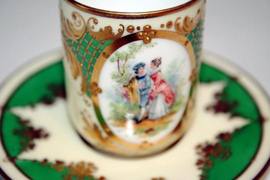 陶磁器「ロココ調人物文様コーヒーカップ」
