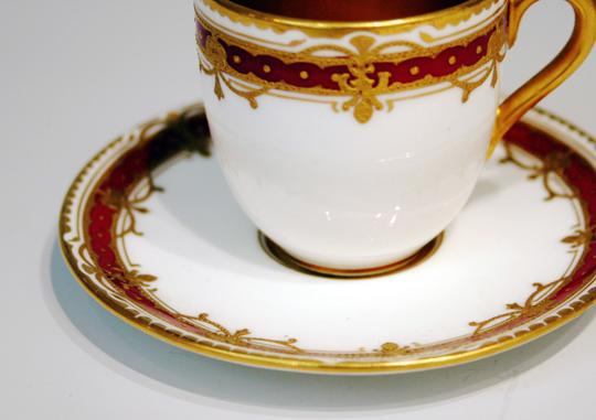 陶磁器「金彩レリーフコーヒーカップ」