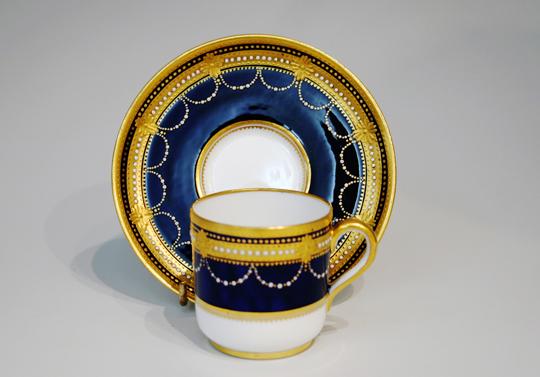 陶磁器「ジュール・金彩レリーフコーヒーカップ」
