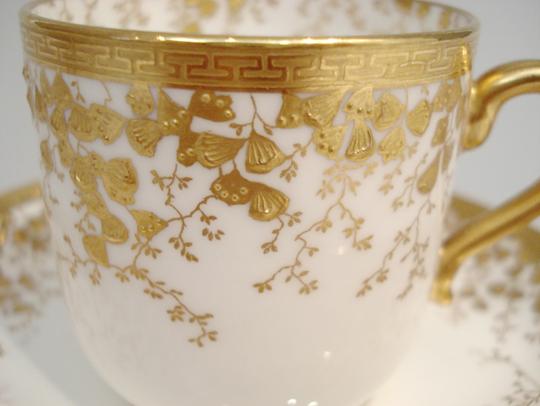 陶磁器「イチョウ文コーヒーカップ」