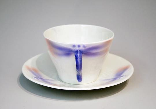 陶磁器「トンボ文様ティーカップ」