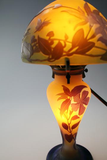 アールヌーヴォー「花蝶文 ランプ」