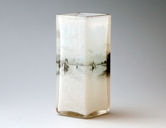 アールヌーヴォー「オランダ景色 角型花瓶」