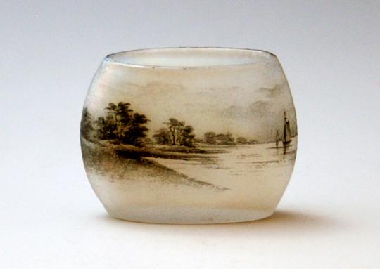 アールヌーヴォー「ミニチュア 帆船文様扁壺型花瓶 」