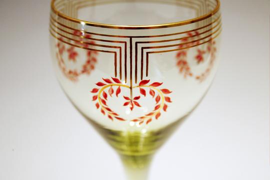 装飾ガラス「リース文ワイングラス」