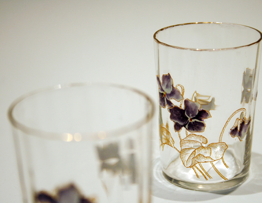 グラスウェア「スミレ文様リキュールグラス」