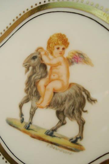 陶磁器「山羊と天使文プレート(菱形)」