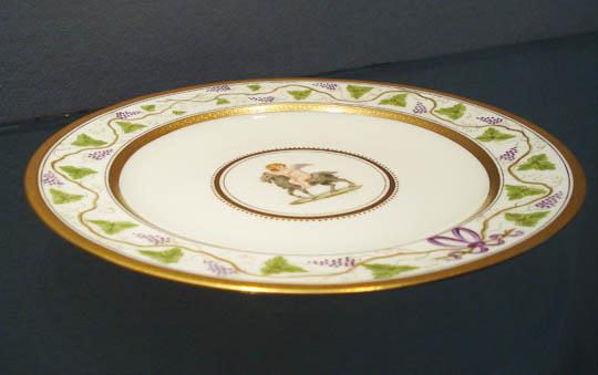 陶磁器「山羊と天使文プレート(丸型)」