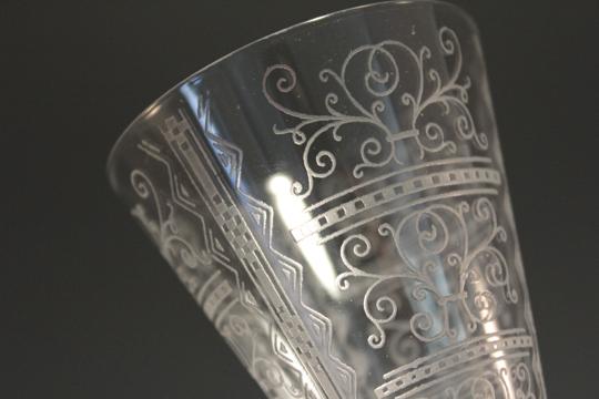 グラスウェア「白ワイングラス」