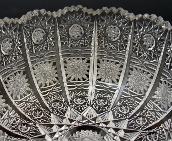 装飾ガラス「花文様カット鉢」