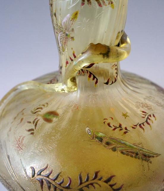 アールヌーヴォー「草花に昆虫文 花瓶」