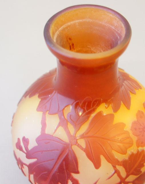 アールヌーヴォー「花文様花瓶」