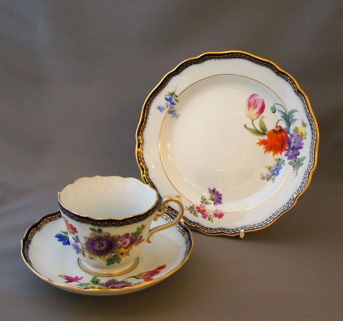 陶磁器「花文様 ティートリオ」