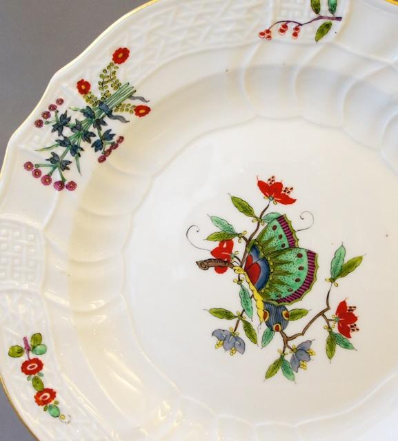 陶磁器「皿「中国の蝶」」