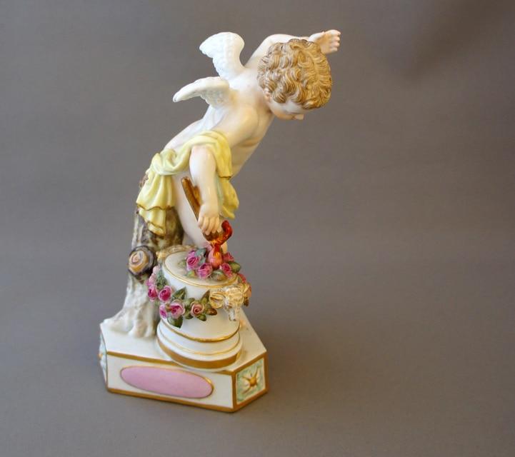 陶磁器「天使人形「箴言の天使」- Je les enflamme(燃えあがる恋)-」