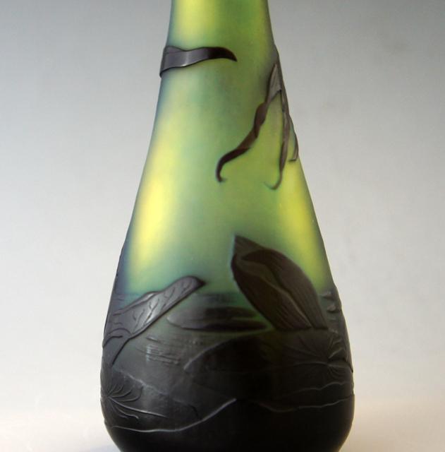 アールヌーヴォー「蓮池文 花瓶」