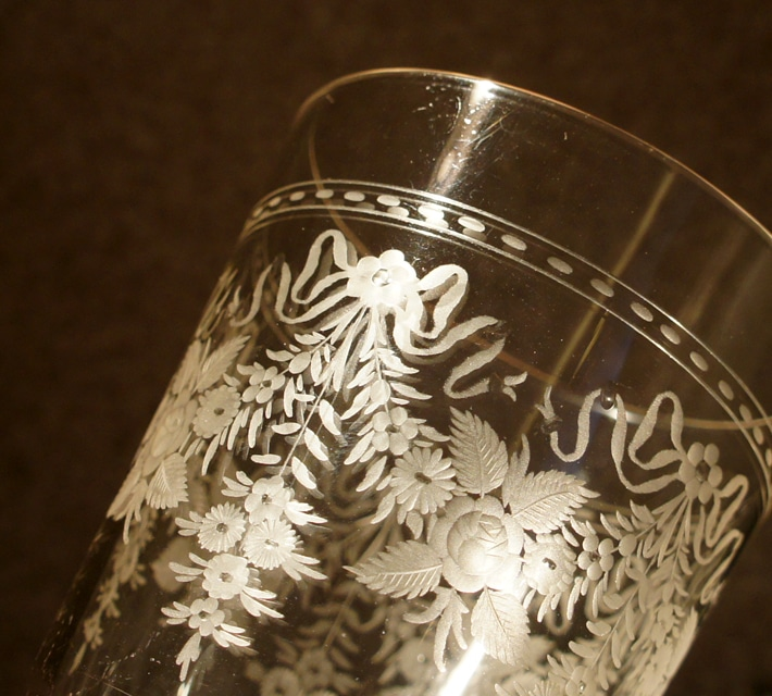 グラスウェア「花文様 ゴブレット」