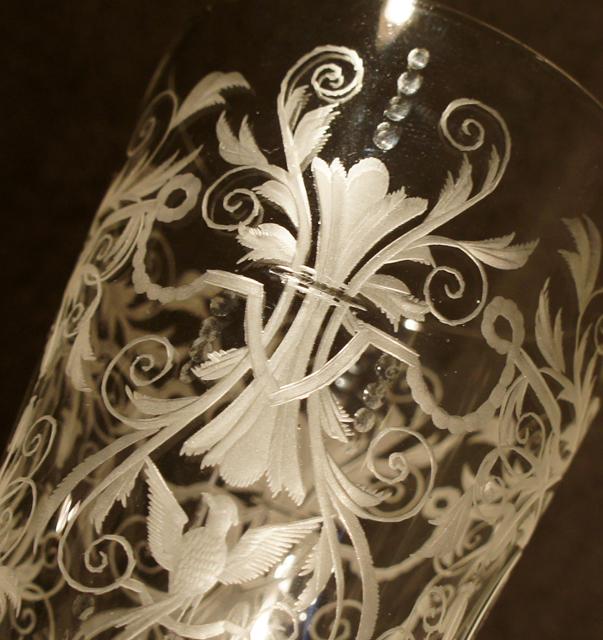装飾ガラス「鳥文様 脚付ゴブレット」