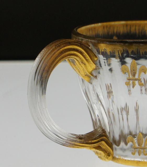 グラスウェア「金彩 ユリ紋章 ハンドル付リキュールグラス」