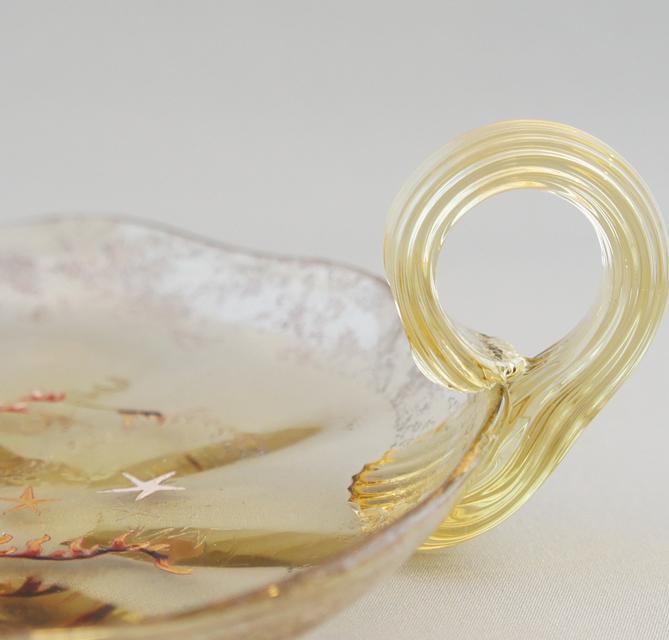 アールヌーヴォー「海藻にヒトデ文 ハンドル付 皿」