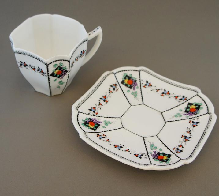 陶磁器「フルーツとダイヤ コーヒーカップ&ソーサー」