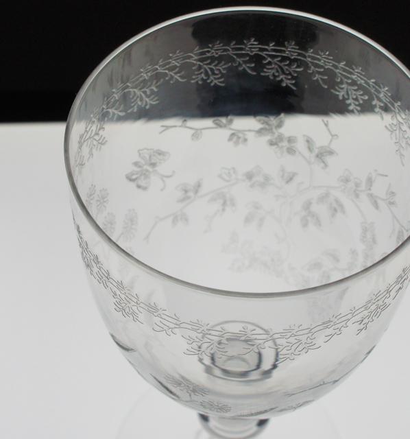 グラスウェア「花蝶文 グラス 高さ16㎝」