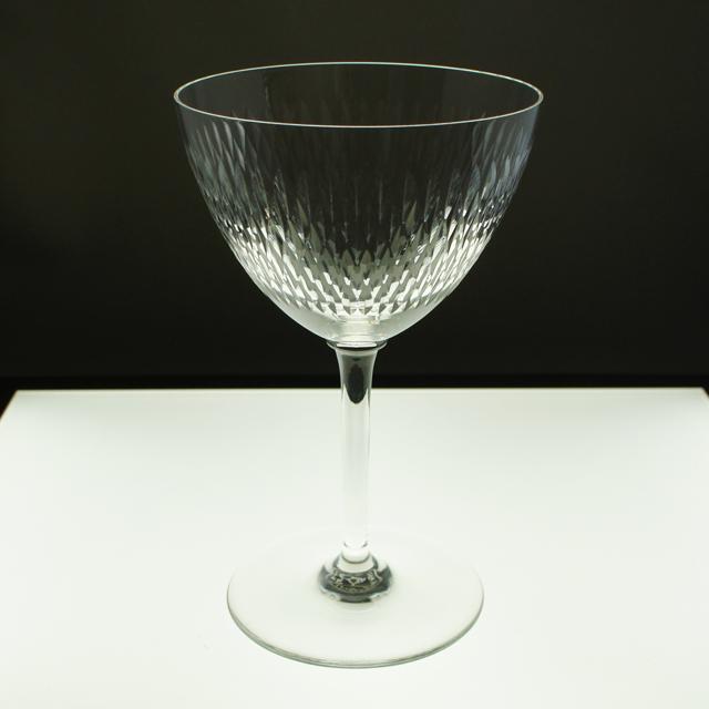 グラスウェア「マジェンタ グラス 高さ15.5㎝(容量約180ml)」