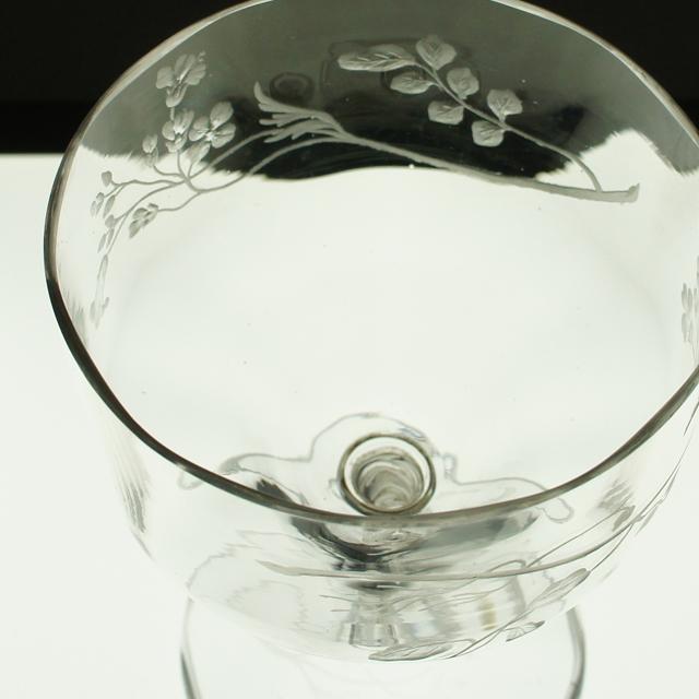 アールヌーヴォー「草花文 手彫り装飾 グラス 高さ14.5㎝」