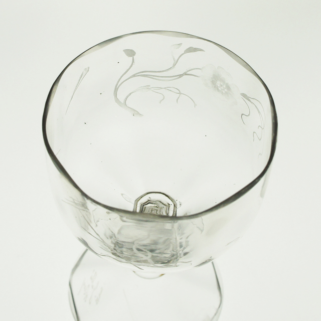 アールヌーヴォー「草花文 手彫り装飾 グラス 高さ9㎝」