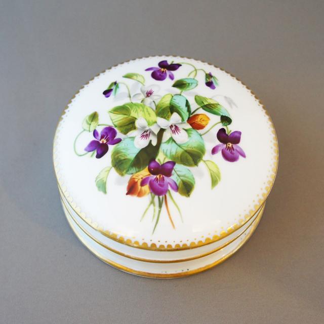 陶磁器「花文様 蓋物」