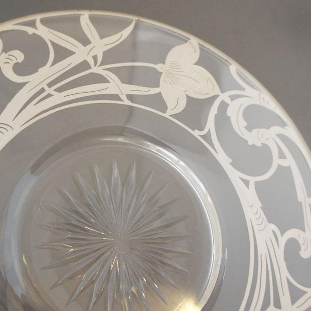 グラスウェア「銀装飾 花文様 皿」
