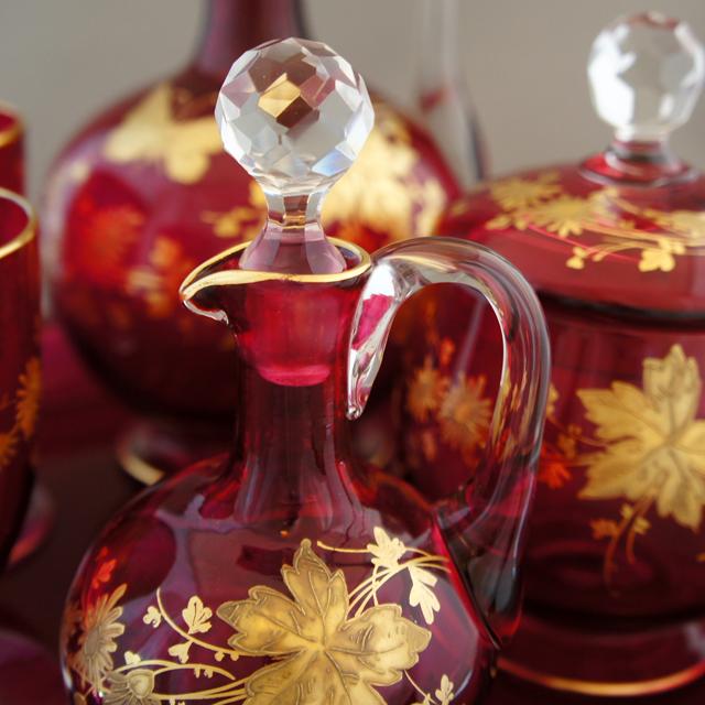 グラスウェア「赤色ガラス 花蝶文 ナイトセット」