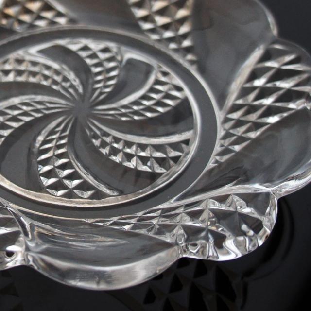 グラスウェア「プレス成型 小皿 直径14cm」