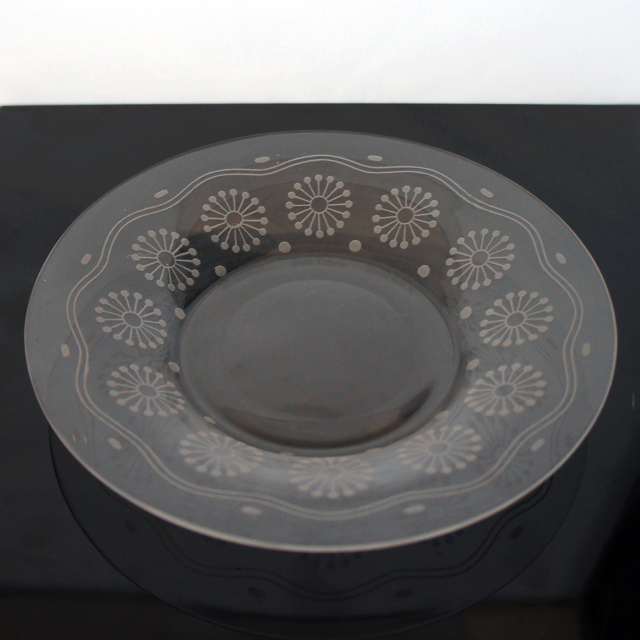 グラスウェア「花文様 皿 直径16cm」