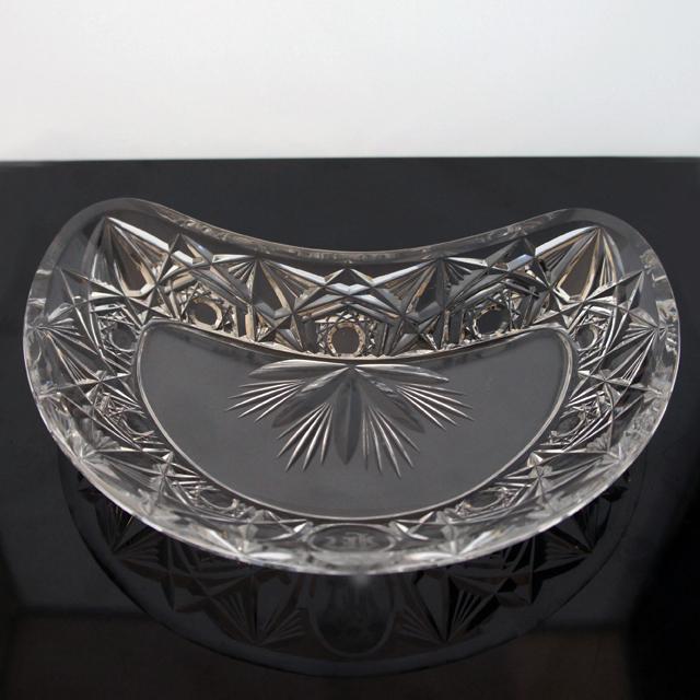 グラスウェア「イニシャル刻印 カット装飾 クレセント皿」