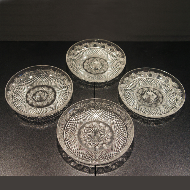 グラスウェア「カット装飾 皿4枚セット 直径15.5cm」