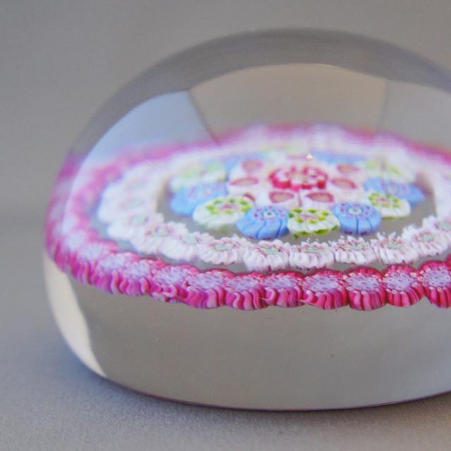 装飾ガラス「ミルフィオリ ペーパーウェイト」