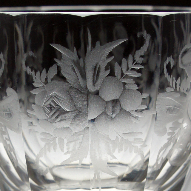 グラスウェア「グラヴィール装飾 グラス 高さ7cm(容量約60ml)」