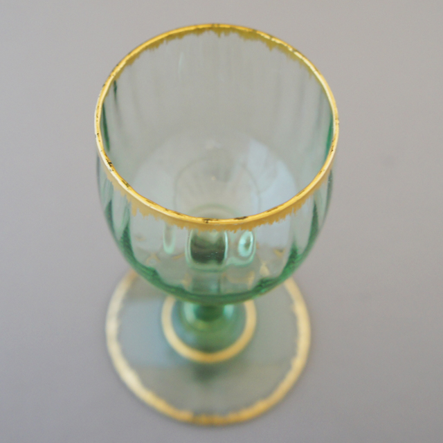 グラスウェア「緑色ガラス 金彩 ワイングラス(小)高さ10cm」