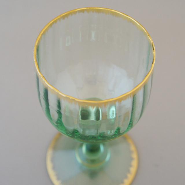 グラスウェア「緑色ガラス 金彩 ワイングラス(中)高さ12cm」