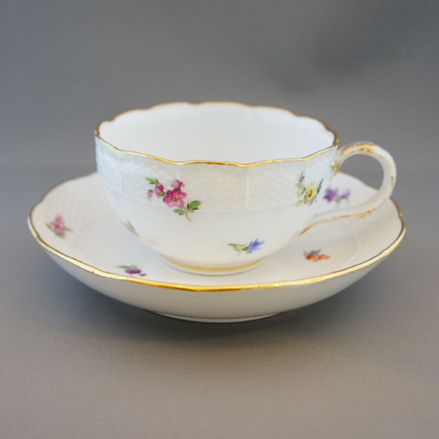 陶磁器「小花文様 ティーカップ ③」