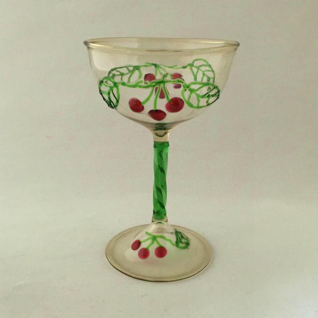 グラスウェア「さくらんぼ文 ワイングラス 高さ10cm」