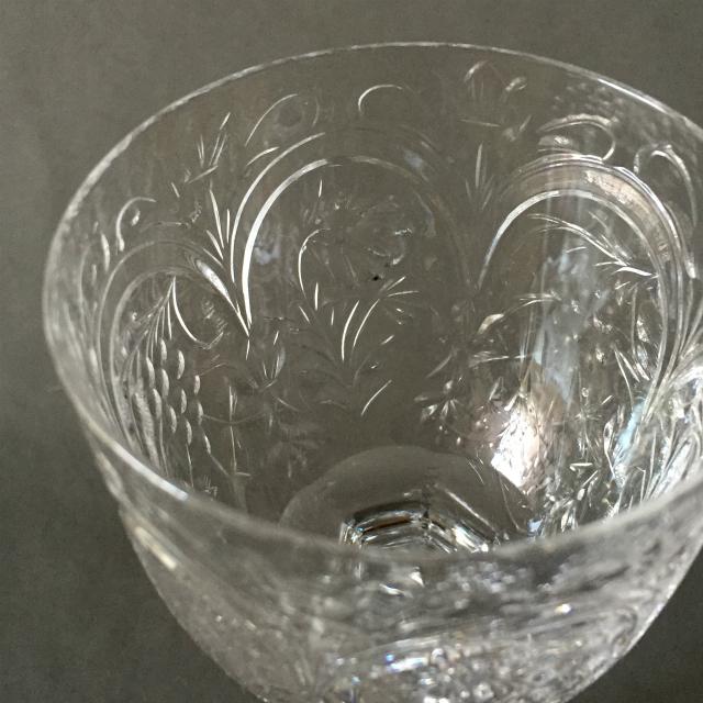 グラスウェア「グラヴィール装飾 ワイングラス 高さ16cm」