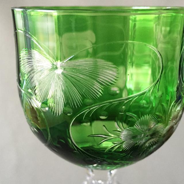 グラスウェア「グラヴィール装飾 グリーン ワイングラス 高さ20cm」