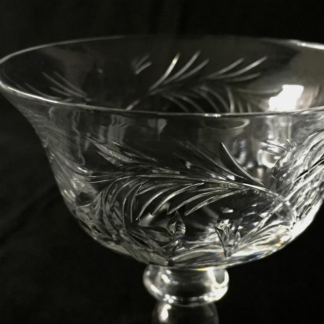 グラスウェア「グラヴィール装飾 クープグラス 高さ10.5cm」