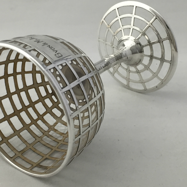 グラスウェア「格子模様 カクテルグラス 高さ9.4cm(容量約50ml)」